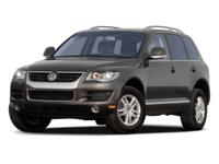 New Arrival! CARFAX 1-OWNER !! -Popular Color- This V6