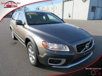 *TECHNOLOGY FEATURES:* This Volvo XC70 Includes