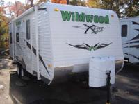 2010 WILDWOOD 20RD X-LITE CLEAN AS A PENNY AND READY TO