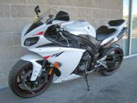 2010 Yamaha YZF-R1 WOW! Super Clean and loaded with the