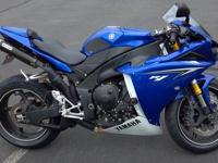 2010 Yamaha YZF R1 Sportbike with MotoGP developed