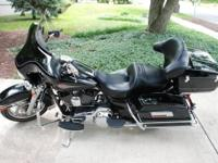 2010 Harley Davidson FLHTC Electra Glide Classic.