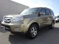 2010 Honda Pilot SUV Touring 4WD Our Location is: