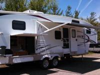 2011 Sabre Fifth wheel: Model 32BHOK. RESTS 8, 100 %