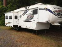 2011 Heartland Elkridge 5th Wheel Travel Trailor 37'