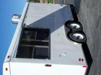 Description We have top quality concession trailers for