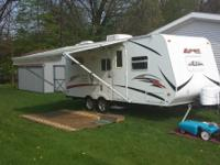 2011 Apex by Forest River in excellent condition, one