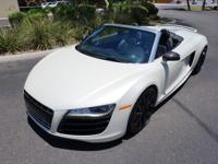 Here is an absolutely gorgeous 2011 Audi R8 V10