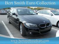 Very nice Carfax 1 owner vehicle. Moonroof, Leather