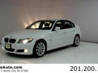 ***CARFAX CERTIFIED WITH SERVICE RECORDS***. 328i