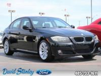 **LEATHER**, **POWER SUNROOF/MOONROOF**, **BLUETOOTH,