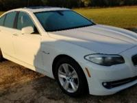 Alpine White 2011 BMW 5 Series 528i RWD 8-Speed