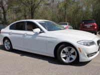 This 2011 BMW 5 Series 528i in Alpine White features: