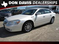 **NAVIGATION**, **MOONROOF**, **LOCAL TRADE**, **CARFAX