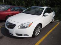 2011 Buick Regal CXL NAVIGATION, SUNROOF/MOONROOF,