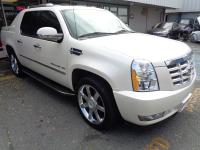 2011 Escalade EXT Truck. Perfect for a large family or