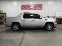 This 2011 Cadillac Escalade EXT has a strong and smooth