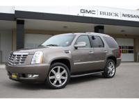 Options:  2011 Cadillac Escalade Luxury Pewter 122 479