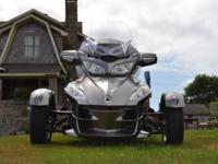 I am selling my 2011 Can am Spyder RT-S. In amazing