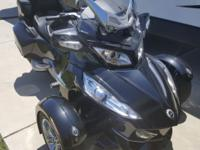 LIKE NEW CAN AM SPYDER LOW MILES ALL THE BELLS AND