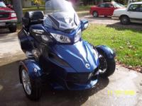 2011 Can-Am Spyder RTS. 2011 Can-Am Spyder RTS design