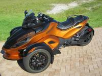 2011 Can-Am Spyder motorcycle. RSS5 automatic, abs