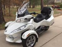 2011 Can Am Spyder RT Limited. Nice bike in great