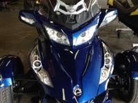 2011 Can-Am Spyder RT-S SM5 USED-Excellent Condition !!