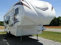 2011 Chaparral by Coachmen 270RKS ONE OWNER! 2011