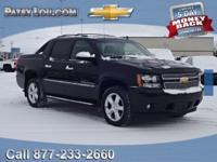 2011 Avalanche 1500 LTZ!!! **4WD**REAR BACK-UP