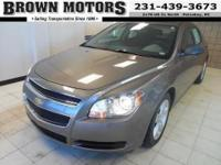 EPA 33 MPG Hwy/22 MPG City!, $1,100 below Kelley Blue