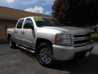 2011 CHEVY SILVERADO CREW CAB 4X4 WITH ONLY 52K MILES!