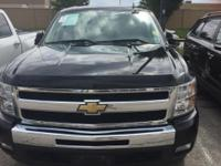 4D Crew Cab. Like new. Black Beauty! 2011 Chevrolet