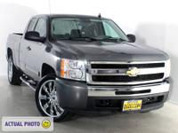 4-Speed Automatic with Overdrive, 4WD, 1 OWNER, 22IN