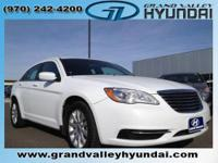 2011 Chrysler 200 4dr Car Touring Our Location is: