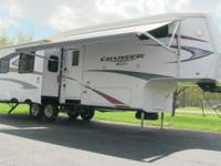 2011 Crossroads Cruiser 30SK fifth wheel, fully loaded,
