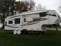 This is a 2011 CrossRoads Cruiser CF305SK