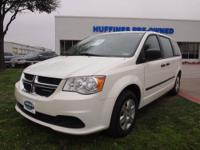 FUEL EFFICIENT 25 MPG Hwy/17 MPG City! CARFAX 1-Owner,