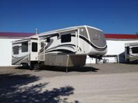 Beautiful 2011 DRV Mobile Suite RSSB4 Asking $58900