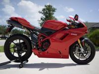 95u6ifjjr- bike looks and runs like new- 4,450 miles-