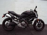 2011 Ducati MONSTER 696 LOW MILES Motorcycles Naked