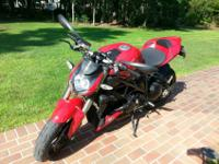 2011 Ducati Streetfighter 1100. Exceptional condition.