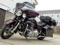 2011 � FLHXSE2 Screamin Eagle 110 cubic inch CVO
