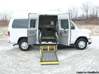 This is a very nice Ford E-350 Super Duty Wheelchair