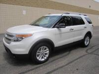 CHECK OUT THIS SUPER SPACIOUS LIKE NEW 4-Dr 2011 FORD