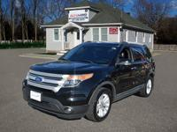 With the many models available this stylish  2011 Ford