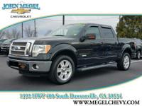 FUEL EFFICIENT 21 MPG Hwy/15 MPG City! Lariat trim.