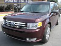 2011 Ford Flex SEL!! Branded Title. One Owner!! 6