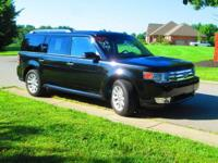 Just off lease! One owner, non-smoker! 2011 Ford Flex