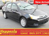 Clean CARFAX. This 2011 Ford Focus SE in Ebony